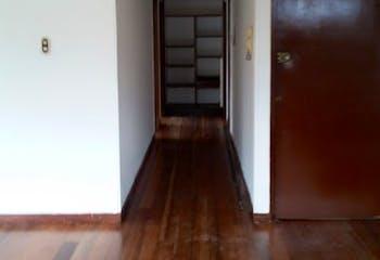 Apartamento en Galerias - Bogota, cuenta con tres habitaciones