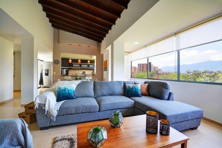 Portada Apartamento Duplex en El Poblado - El Campestre, Cuenta con cuatro habitaciones