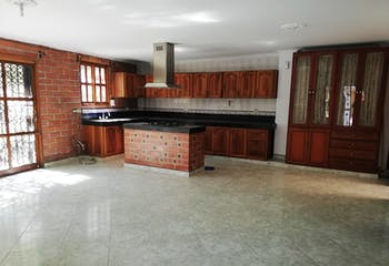 Casa en venta en Suramerica de 211mts2, tres niveles