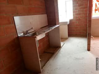 Una cocina con un fregadero y una estufa en Apartamento en venta en San Gabriel, Itagui.