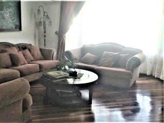 Una sala de estar llena de muebles y un sofá en   Pontevedra I Sector