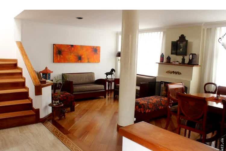 Portada Casa en venta en La Alhambra, 146mt de dos niveles