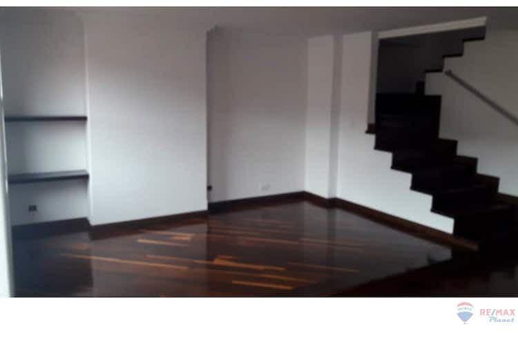 Portada Apartamento Triplex Penthouse en Cedritos, con 3 habitaciones, piso 5 - 100 mt2.