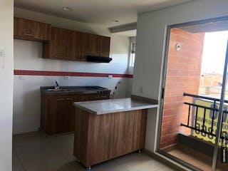 Un cuarto de baño con lavabo y bañera en Apartamento en venta en Mosquera, 51mt con balcon