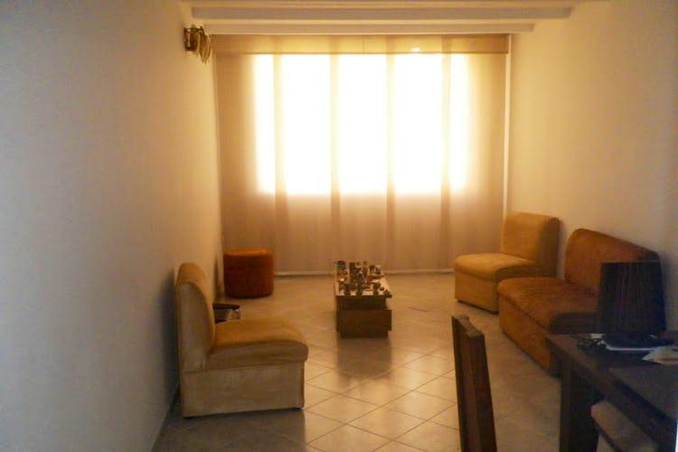 Portada Apartamento en Calazans, La América con 3 habitaciones y parqueadero - 75 mt2.