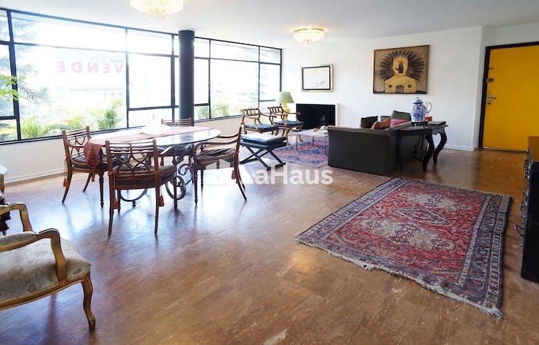 Portada Apartamento en El Lago de 184 Mts, tercer piso.