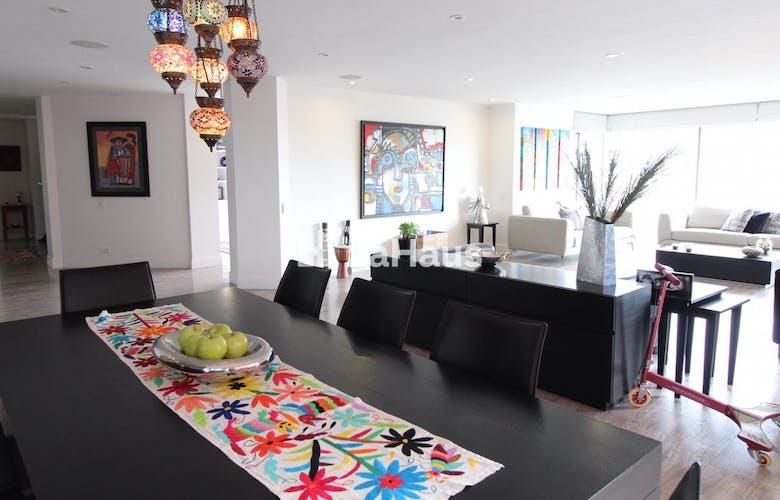 Portada Apartamento en Rosales de 3 habitaciones, 278 Mts + 48 mts de balcón