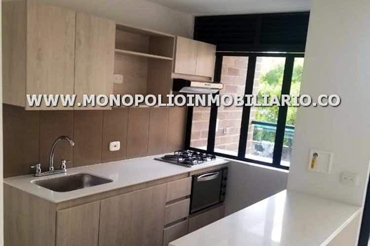 Portada Apartamento en El Retiro, con 3 habitaciones y balcón - 76 mt2.