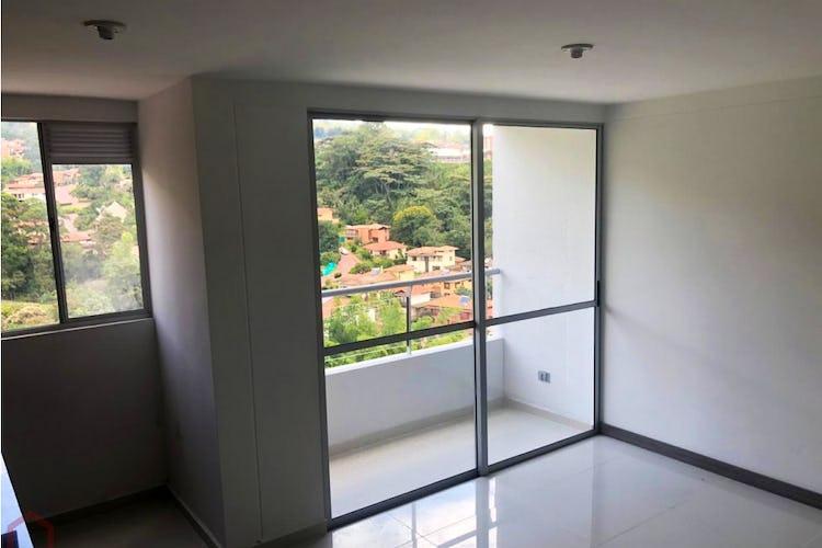 Portada Apartamento en La Estrella, con 2 habitaciones y balcón - 56 mt2.