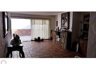 Casa en Conquistadores, Laureles con 2 niveles y 10 habitaciones - 550 mt2.