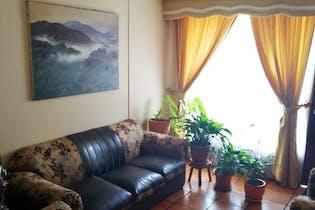 Escelente casa en Portales Del Norte, de 4 habitaciones.