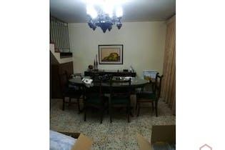 Casa en Calasanz, La America con 2 niveles y 4 habitaciones - 295 mt2.