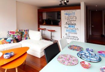 Apartamento en Rosales de 86 Mts más 14 Mts de terraza, sexto piso.
