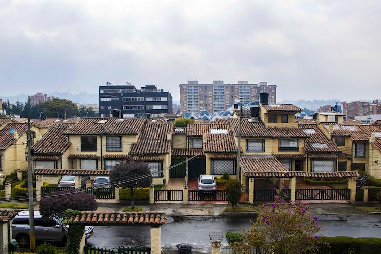 Foto 9 de Casa en Colina Campestre con cuatro alcobas, 275 metros