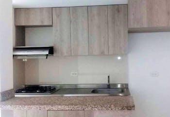 Apartamento en Calle Larga, Sabaneta - 65mt, tres alcobas, balcón