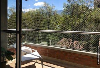 Apartamento en Loma Benedictinos, Envigado - 143mt, tres alcobas, balcón