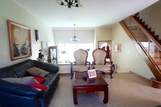 Casa en Las Lomas, Poblado - 187mt, dos niveles, dos alcobas