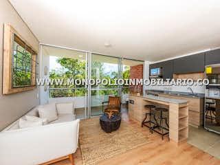 Una gran sala de estar con un gran ventanal en LA PROVINCIA 7C