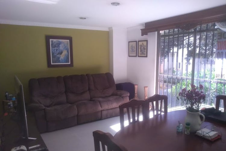 Portada Apartamento en Simon Bolivar, La America - Tres alcobas