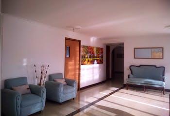 Apartamento en Poblado Sector Aguacatala - 194 mts, 2 parqueaderos.