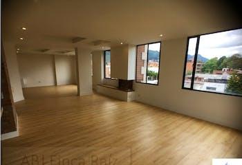 Apartamento en venta en San Patricio de 192mts2, dos niveles