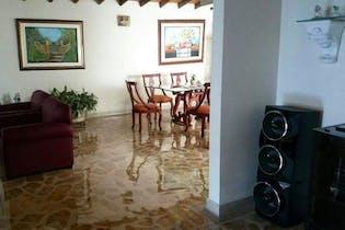 Casa en Simon Bolivar, La America - Cuatro alcobas