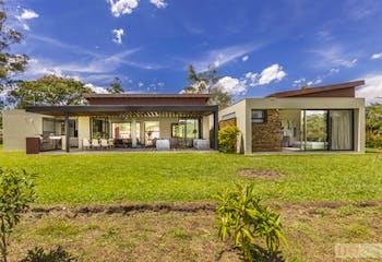Casa en Llanogrande, Rionegro - 1527mt, terraza, parqueaderos