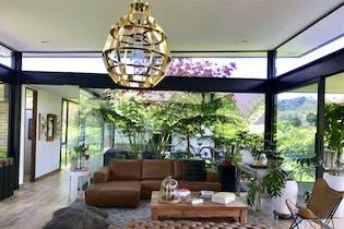 Hermosa casa en el alto de las palmas - 2.250 mts, 2 parqueaderos.