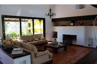 Casa en Alto de las Palmas, Envigado - 375mt, tres alcobas, jacuzzi