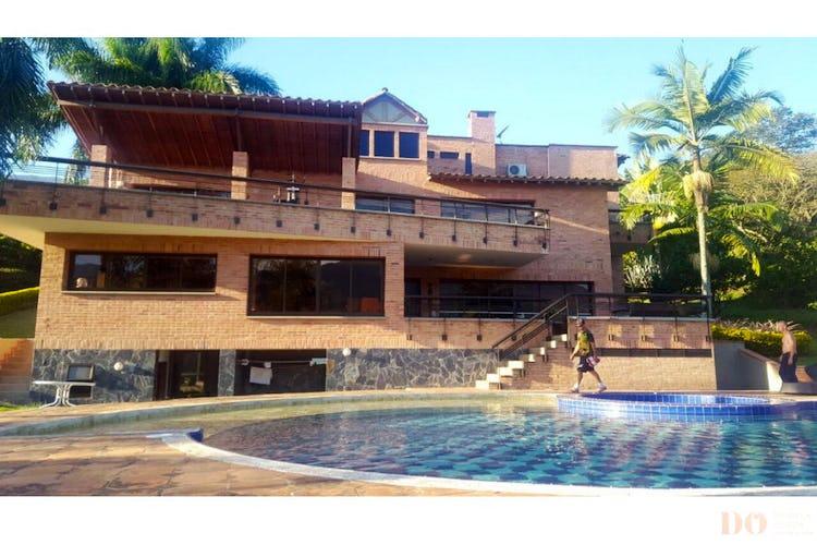 Foto 2 de Finca en Girardota, Medellin - 6700mt, piscina, siete alcobas