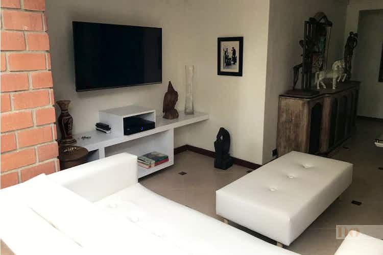 Portada Apartamento en venta en Poblado 3 habitaciones