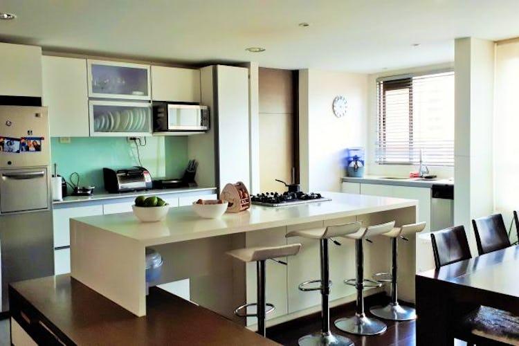 Foto 5 de Apartamento en El Tesoro, Poblado - 197mt, tres alcobas, dos balcones