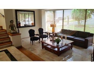 Casa en Zuñiga, Envigado - 133mt, tres niveles, cuatro alcobas