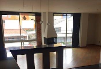 Apartamento en venta en Puente Largo de 3 hab. con Bbq...