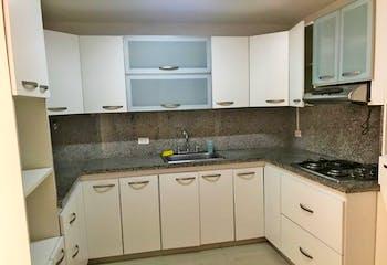 Apartamento en Los balsos, Poblado - 180mt, tres alcobas, balcón