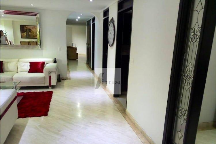 Foto 2 de Apartamento de 185m2 en el Poblado, el Tesoro - con tres habitaciones