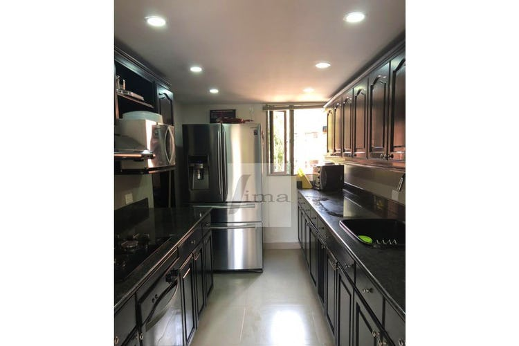 Foto 5 de Apartamento de 185m2 en el Poblado, el Tesoro - con tres habitaciones