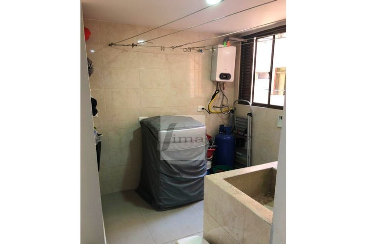 Foto 15 de Apartamento de 185m2 en el Poblado, el Tesoro - con tres habitaciones