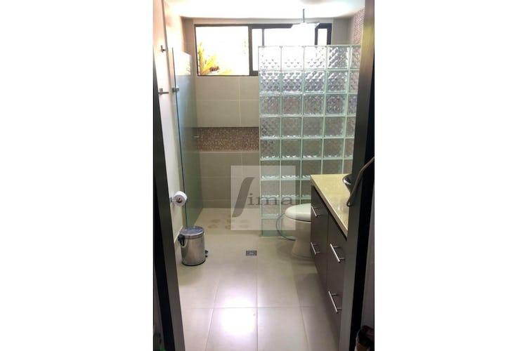 Foto 17 de Apartamento de 185m2 en el Poblado, el Tesoro - con tres habitaciones