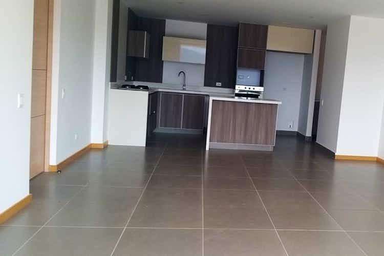 Portada Apartamento de 139m2 en Loma de Brujas, Envigado - con tres habitaciones