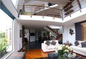 Casa en CasaBlanca Suba, Los Arrayanes - 525mt, cuatro alcobas, chimenea
