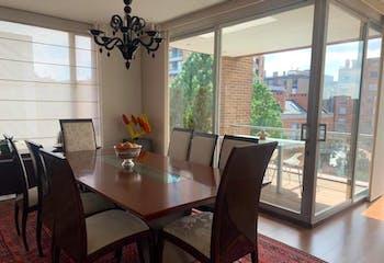 Apartamento En Bogota - Chico Reservado, cuenta con tres habitaciones