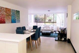 Apartamento En Medellin - Poblado, cuenta con tres habitaciones