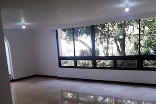 Apartamento en Torres Blancas 1, cuenta con tres habitaciones