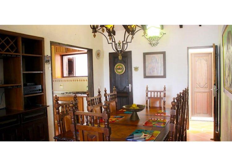 Portada Finca en Venta en el Peñol -Antioquia, Con 7 habitaciones-598,88mt2