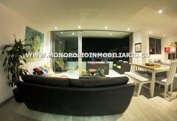 Apartamento en Ciudad del Rio, Poblado - 89mt, tres alcobas, balcón
