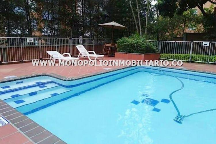 Foto 14 de Apartamento en Loma de los Bernal, Belen - 94mt, tres alcobas, balcón