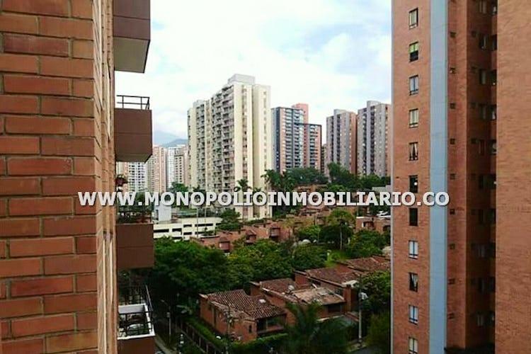 Foto 15 de Apartamento en Loma de los Bernal, Belen - 94mt, tres alcobas, balcón