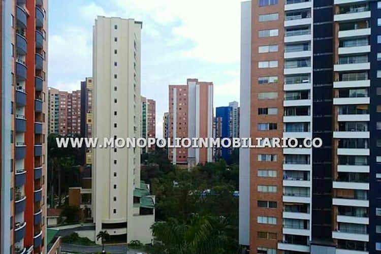 Foto 16 de Apartamento en Loma de los Bernal, Belen - 94mt, tres alcobas, balcón
