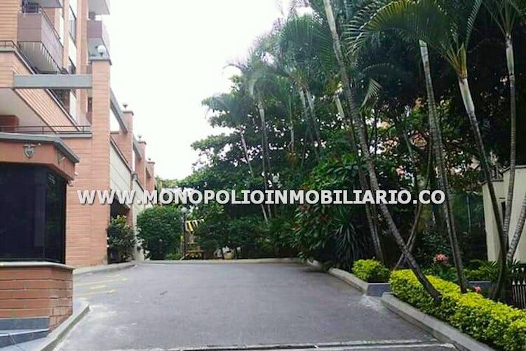 Foto 18 de Apartamento en Loma de los Bernal, Belen - 94mt, tres alcobas, balcón